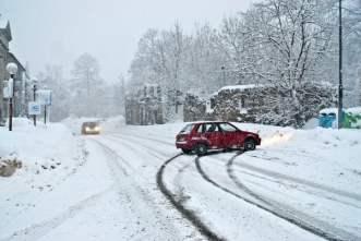 car-skid-accident.jpg